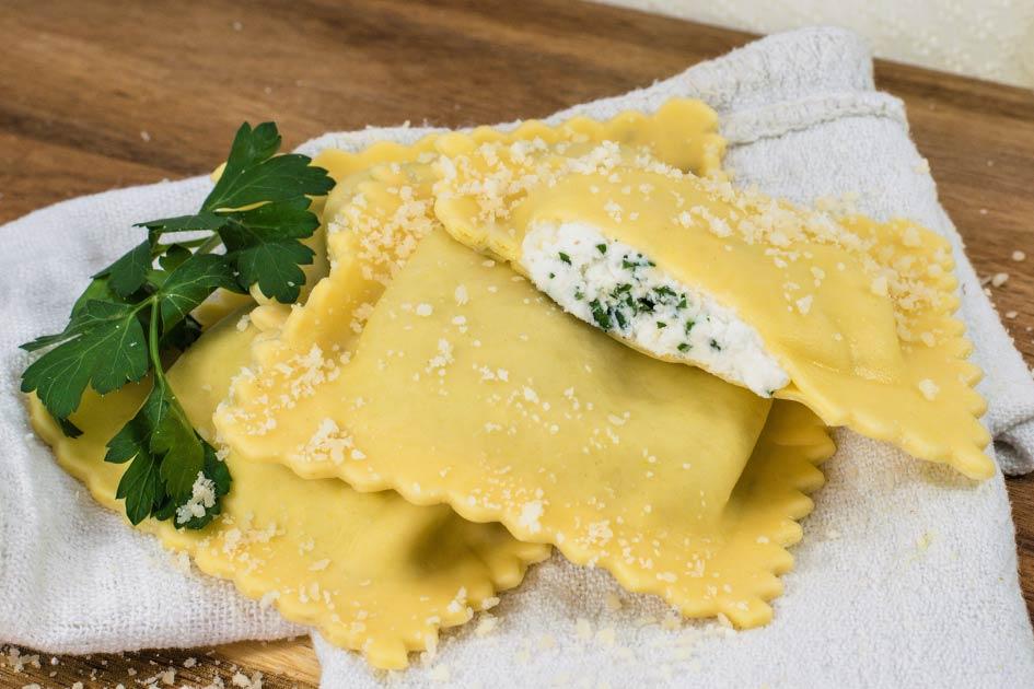 Cheese Ravioli – Jumbo Square