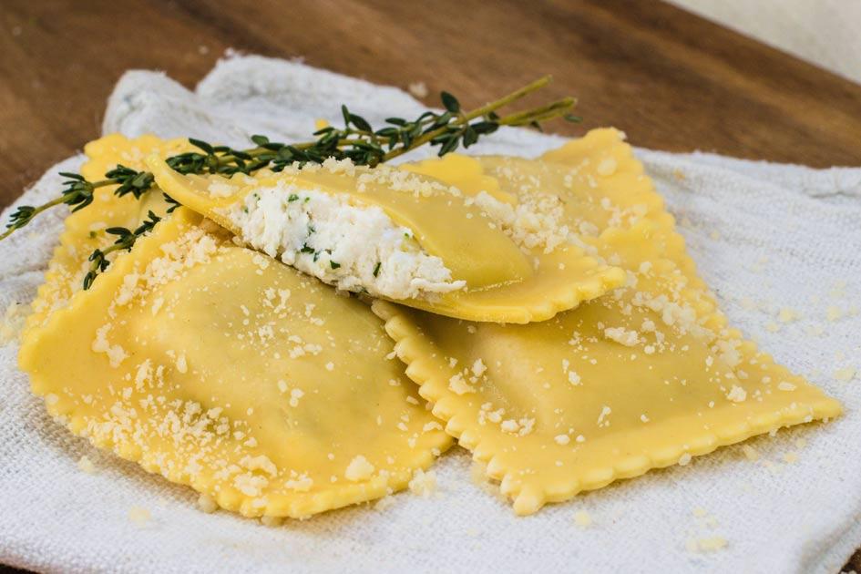 Four Cheese Ravioli – Medium Square