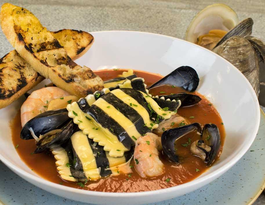 Fisherman's Crab Ravioli Pot